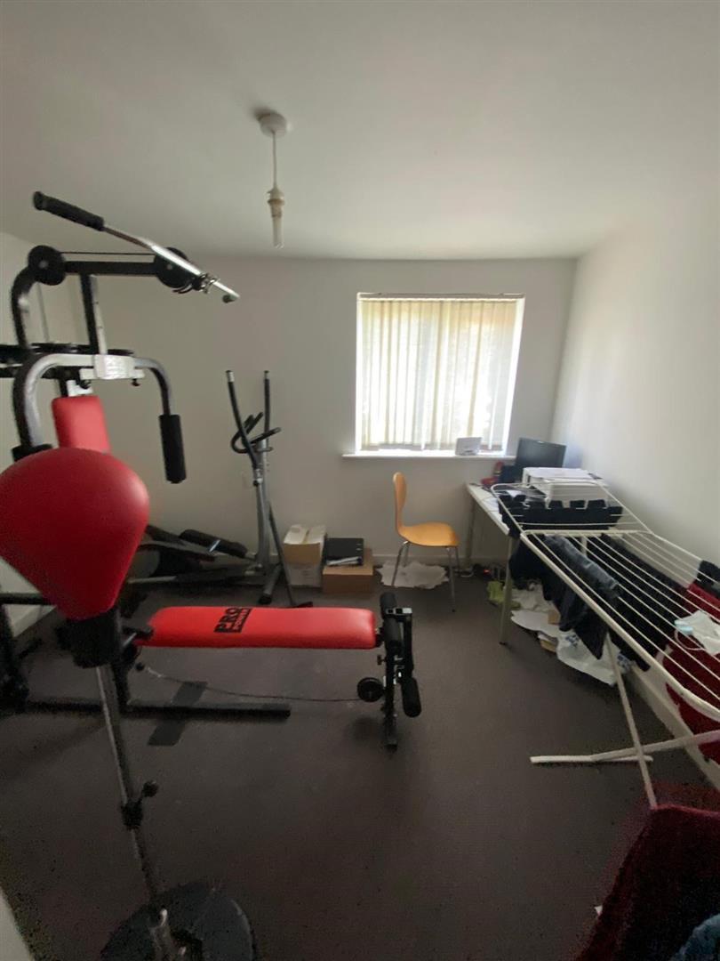 2 Bedroom Block Of Flats For Sale - 18.jpg